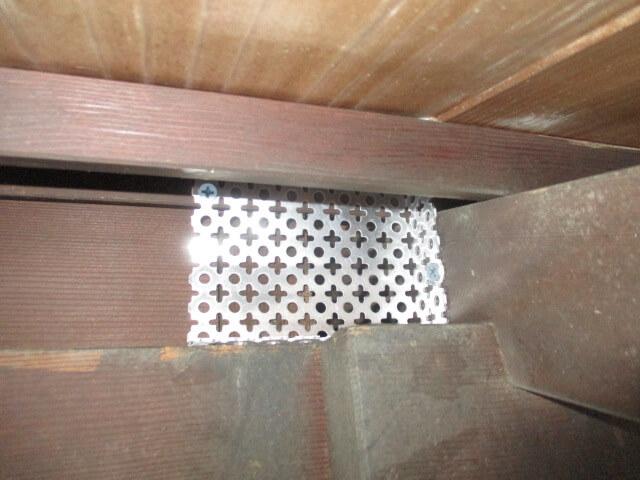 一戸建て宅内ネズミ閉塞作業